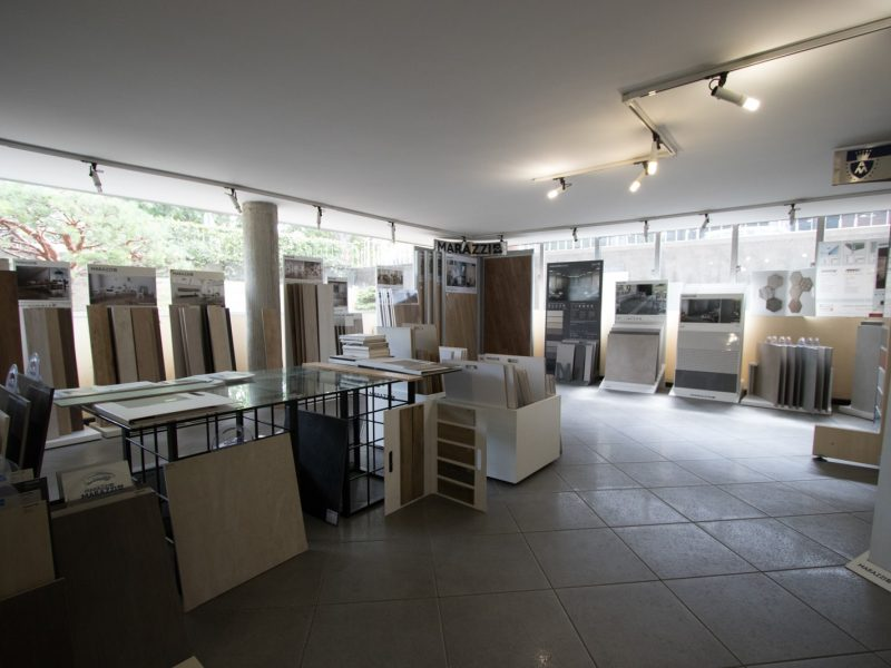 DIME Spa - Esposizione via Don Minzoni, 69 - Castellanza (VA) - Marazzi